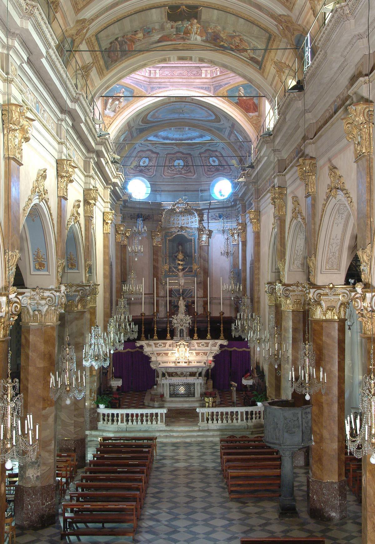 La collegiata di Sant'Ambrogio dopo l'opera di restauro di Formento Restauri, ditta edile con sede a Finale Ligure, Savona.