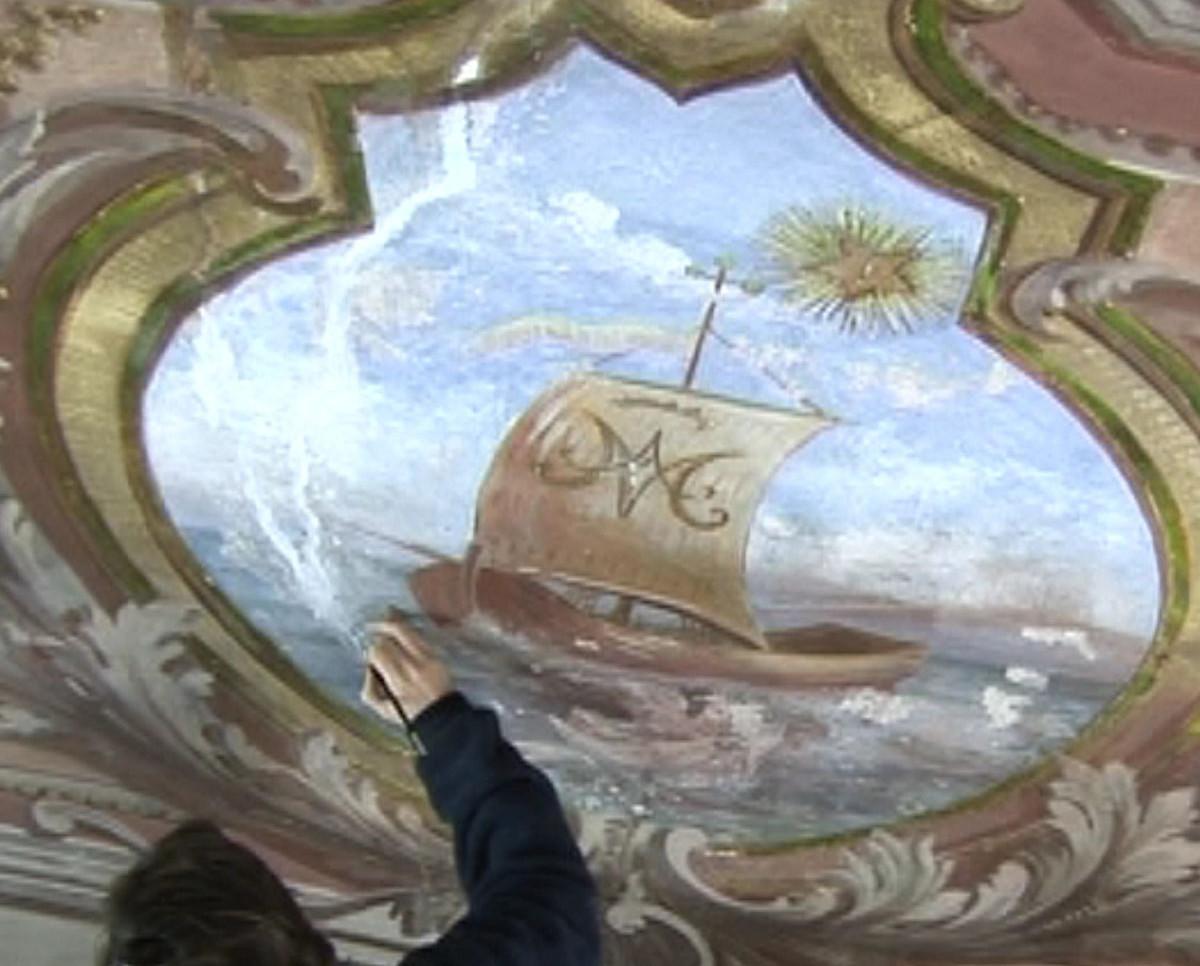 Iniezioni di malta nelle crepe, stuccatura e integrazione pittorica