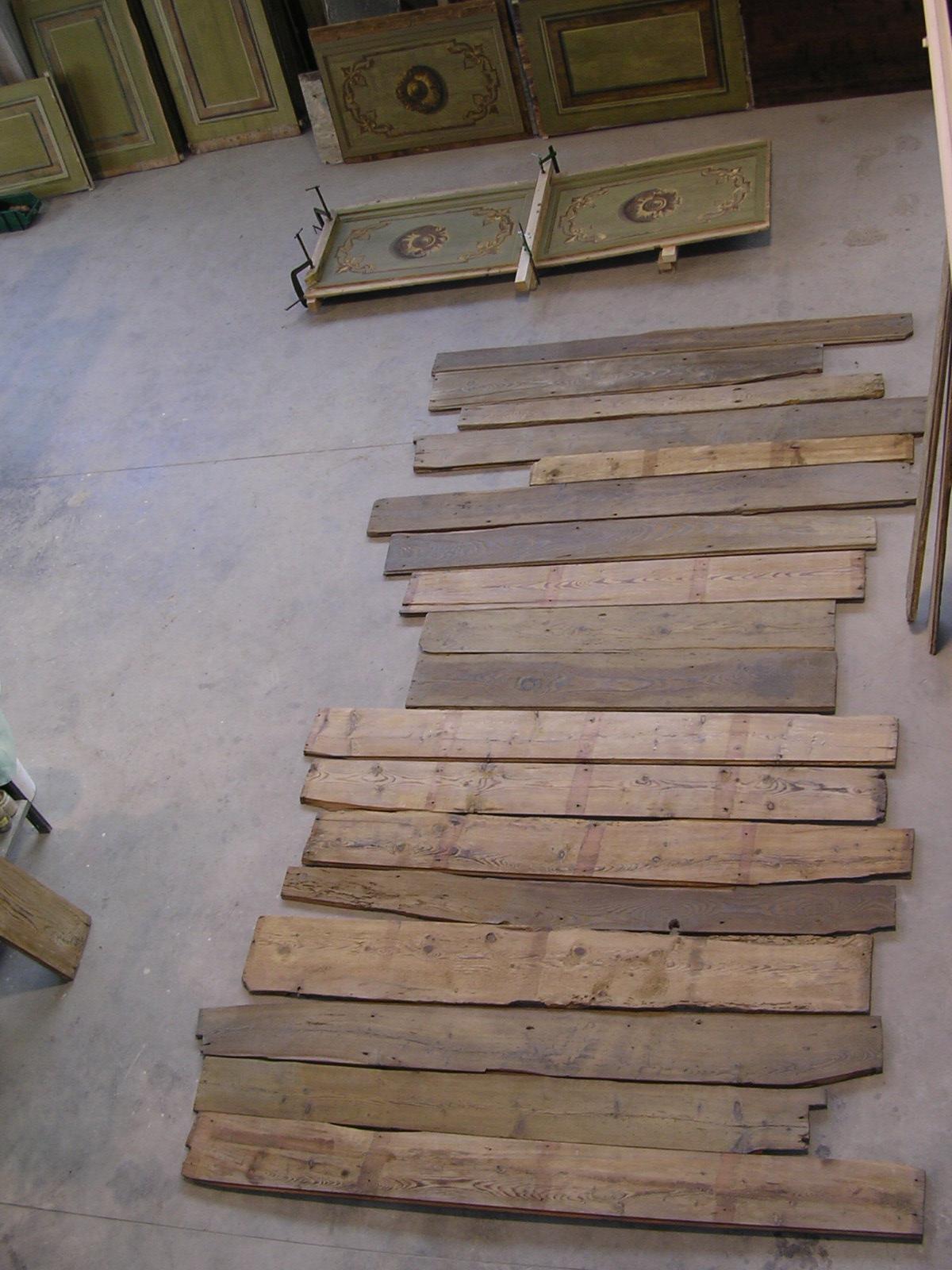 Porzione del pavimento originale che si è riusciti a recuperare, a restaurare e, quindi a riutilizzare per realizzare una piccola parte del pavimento del primo ordine dei palchi