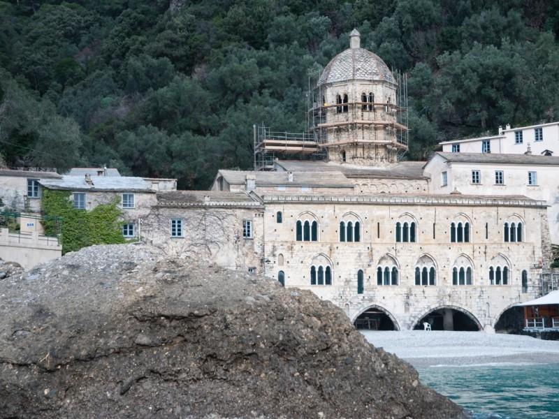 L'Abbazia di San Fruttuoso è uno dei siti di intervento di restauro ad opera della ditta edile di Finale Ligure Formento Restauri.