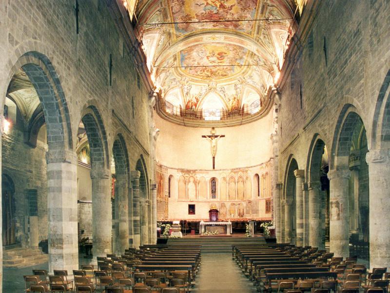 La Cattedrale di San Michele ad Albenga dopo l'opera di restauro di Formento Restauri, ditta edile con sede a Finale Ligure, Savona.