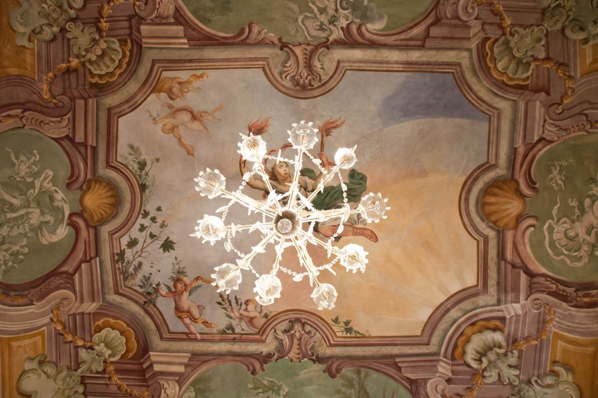 Palazzo S, una ristrutturazione ad opera della ditta di edilizia Formento Restauri, a Finale Ligure.