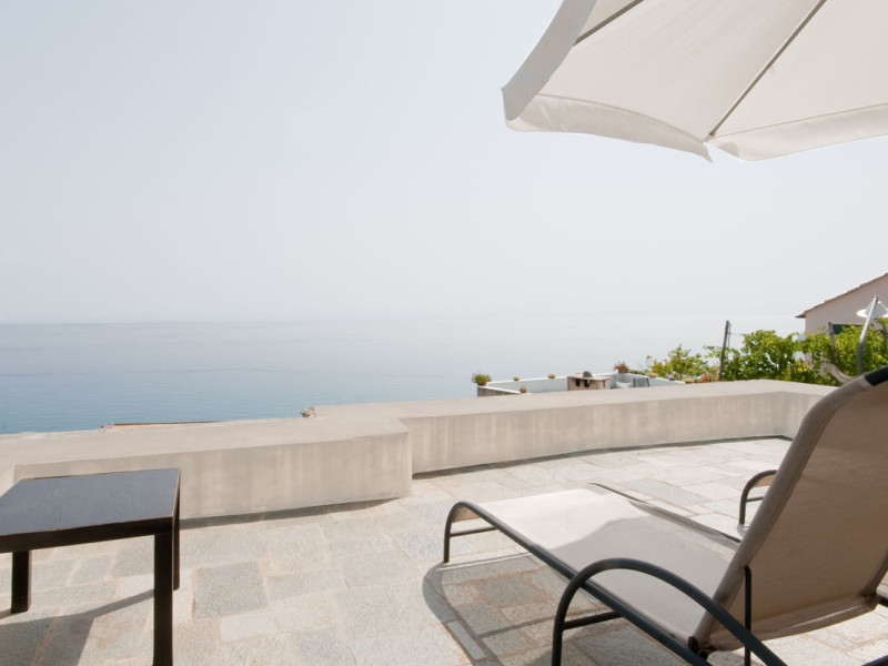 Casa MF è un appartamento privato per cui la ditta edile di Finale Ligure Formento restauri ha effettuato un intervento di ristrutturazione.