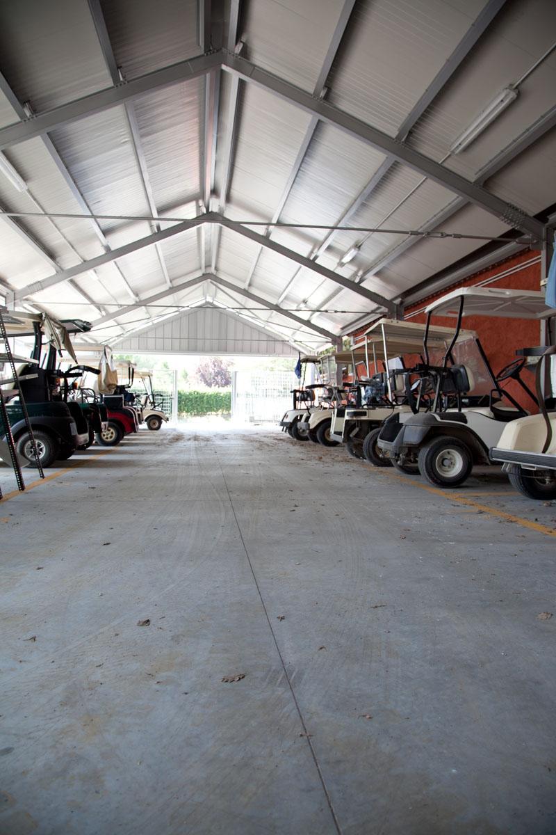 Deposito per sacche da golf