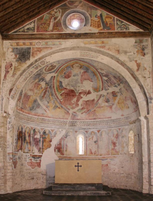 Vista completa dell'abside dopo il restauro