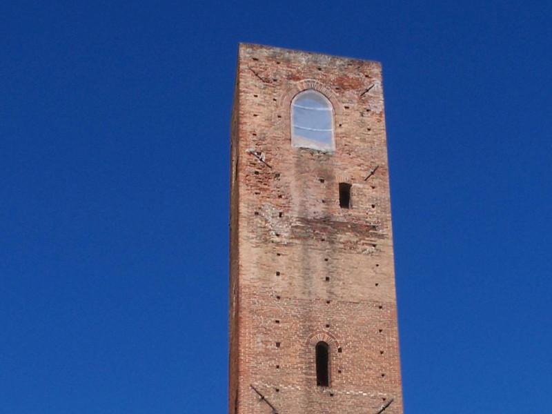 La Torre dei Quattro Canti di Noli, restauro in quota della ditta Formento Restauri di Finale Ligure.