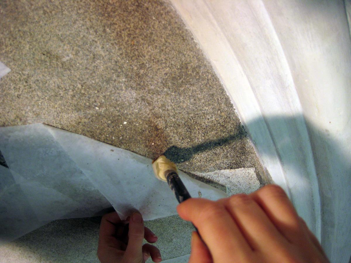Applicazione e rimozione delle velinature protettive