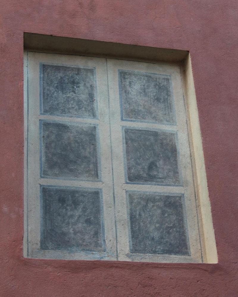 Particolare Prospetto Sud dopo il restauro (decorazione finta finestra)