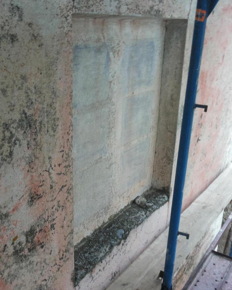 Particolare prospetto Sud prima del restauro ( decorazione finta finestra)