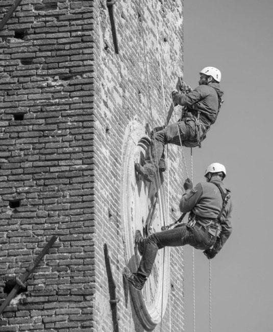 Formento Restauri è un'azienda edile specializzata in lavori in quota, su fune, senza l'utilizzo di ponteggi.